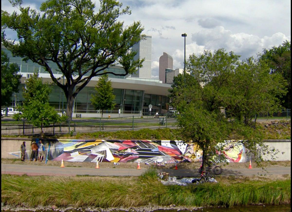 9News---Oliver-Vernon-UAF-Mural.jpg
